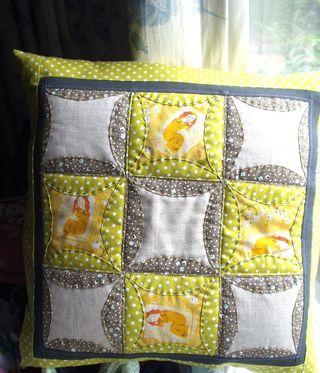 Pillow 001